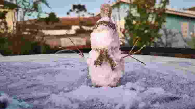 Boneco de neve no Vale do Caminhos da Neve, em Santa Catarina - Mycchel Legnaghi / São Joaquim Online - Mycchel Legnaghi / São Joaquim Online