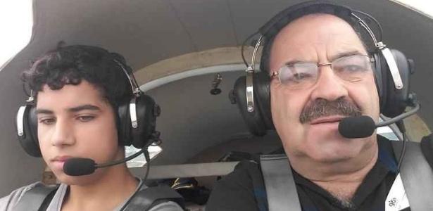 Poucos minutos antes do acidente, o empresário havia postado foto dos dois na aeronave - Reprodução/Facebook