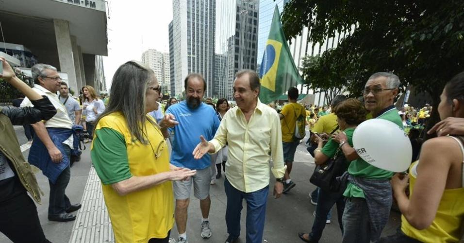 """13.dez.2016 - O senador Agripino Maia (DEM-RN), o """"Gripado"""", durante manifestação São Paulo. Segundo a delação, ele recebeu R$ 1 milhão"""