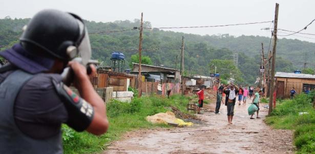 PM cumpre reintegração de posse de terreno em São Mateus, na zona leste da capital paulista
