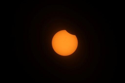 21.ago.2017 - O primeiro eclipse total do Sol em 99 anos nos Estados Unidos teve início nesta segunda-feira, às 09h05 local (13h05 de Brasília), quando o disco solar começou a ser oculto pela Lua em Oregon, noroeste do país