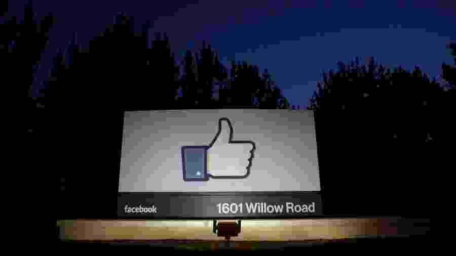 Logo do Facebook, na sede da empresa na Califórnia - Beck Diefenbach / Reuters