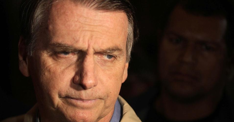 """New York Times faz editorial sobre """"escolha triste do Brasil"""" por Bolsonaro"""