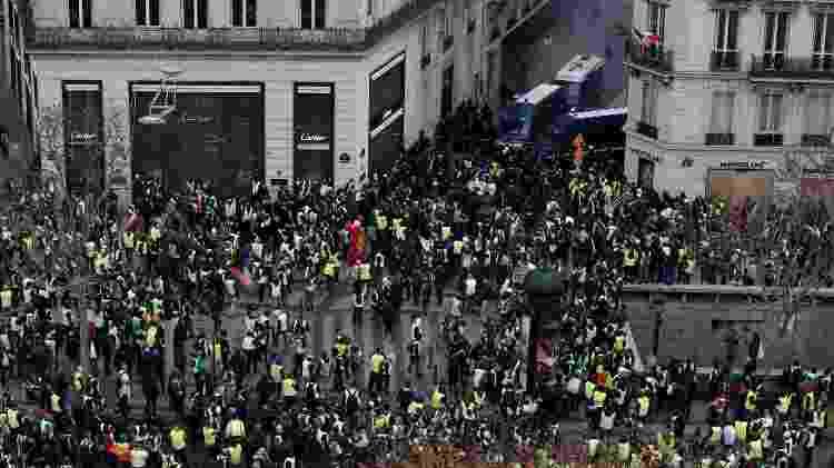 'Coletes amarelos' se reuniram no centro de Paris na manhã deste sábado (8) - Benoit Tessier/Reuters