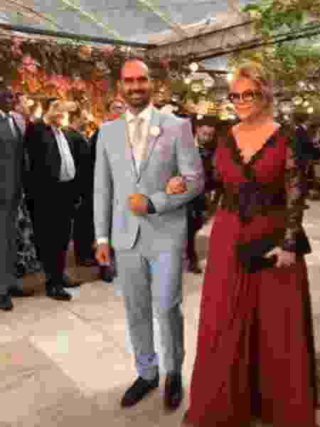 Rogéria Bolsonaro com o filho Eduardo no casamento dele no Rio - Reprodução/Instagram - Reprodução/Instagram