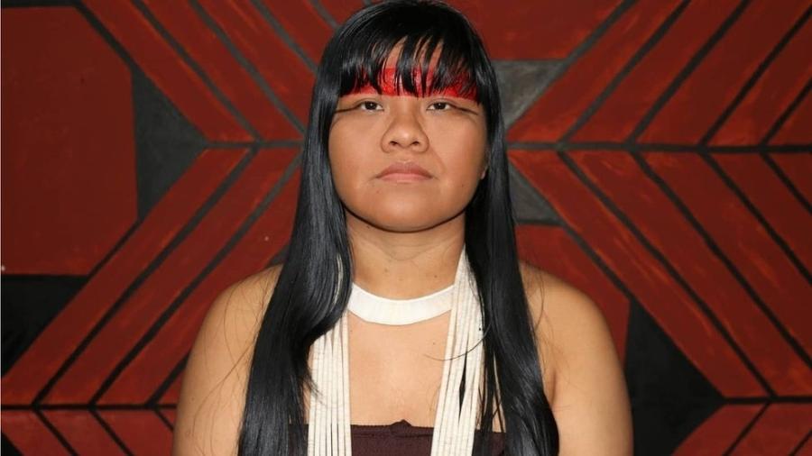 """Ativista indígena Ysani Kalapalo se tornou conhecida por canal no YouTube em que se define como uma """"indígena do século 21"""" - Arquivo pessoal"""