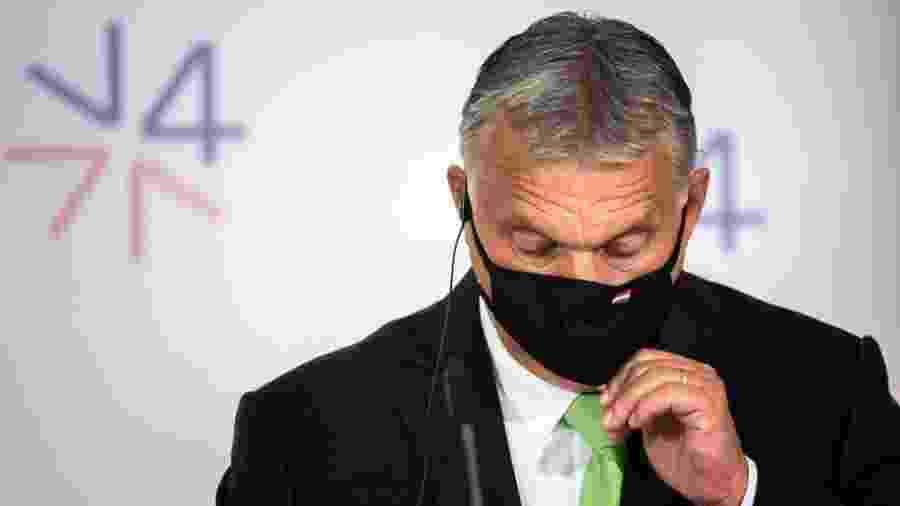 """""""A taxa de infecção em nosso país é baixa e queremos que continue assim"""", afirmou o chefe de gabinete do premiê Viktor Orbán (foto acima) - Gabriel Kuchta/Getty Images"""