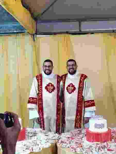 Emerson e Henrique Aguiar, 31 anos, serão ordenados padres em dezembro - Acervo pessoal