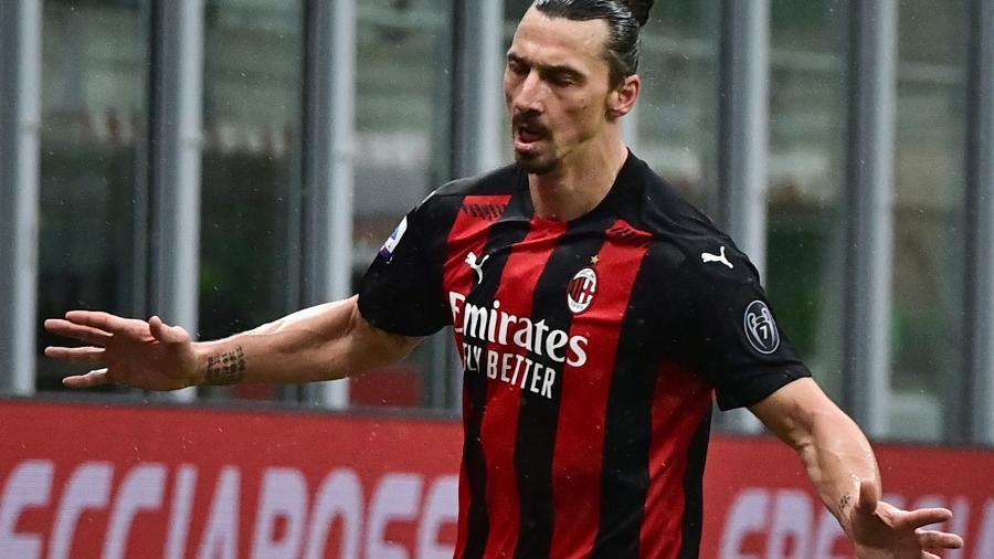 Ibrahimovic fez os 2 primeiros gols do Milan -  MIGUEL MEDINA / AFP