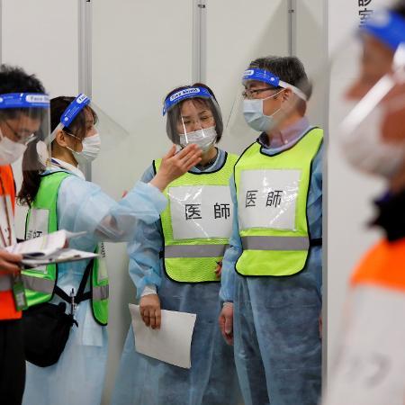 Governo japonês declarou nesta um novo estado de emergência em Tóquioe em outras três regiões devido a um aumento dos casos de coronavírus - REUTERS/Issei Kato