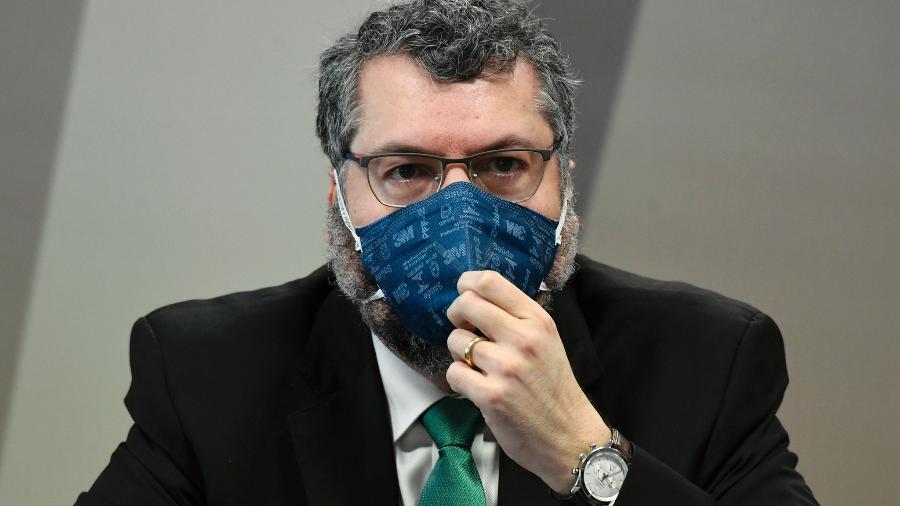 17.mai.2021 - À mesa, ex-ministro das Relações Exteriores, Ernesto Araújo na CPI da Covid - Jefferson Rudy/Agência Senado