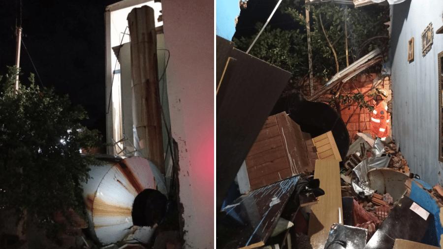 Reservatório com capacidade para 10 mil litros de água caiu de uma altura de 15 metros sobre uma casa em Francisco Sá (MG) - Corpo de Bombeiros de Minas Gerais