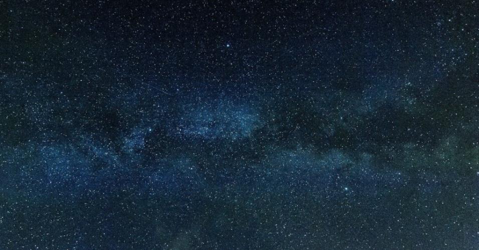 13.jul.2015 - Via Láctea é vista da região húngara de Balmazujvaros, a 200 quilômetros a leste de Budapeste