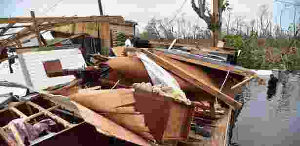Casa fica totalmente devastada após passagem do furacão Maria, em Cataño, em Porto Rico - Hector Retamal/AFP - Hector Retamal/AFP