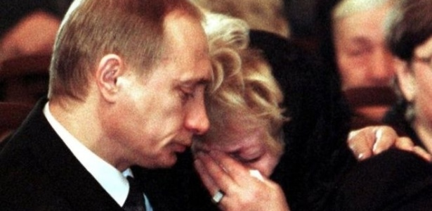 Putin parecia realmenteabalado durante o funeral de seu mentor na política