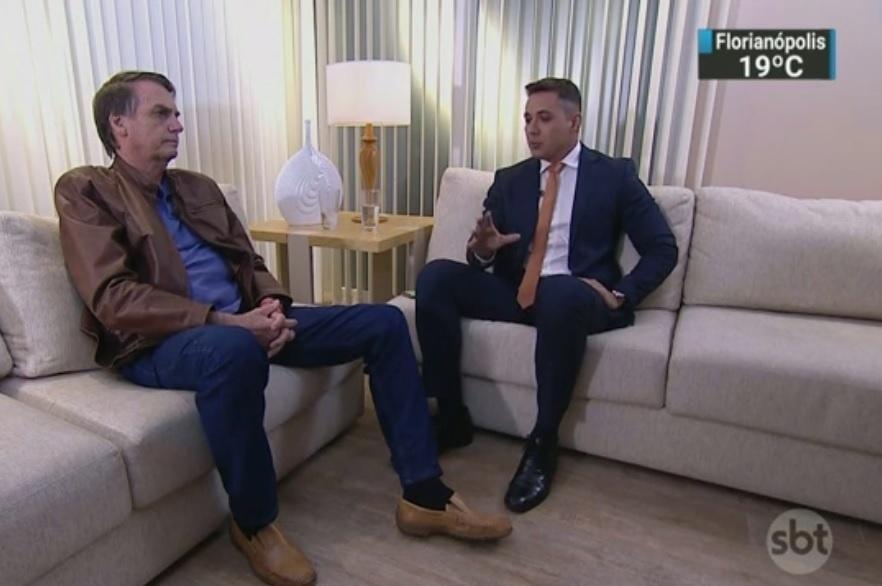 29.out.2018 - Em entrevista ao SBT, Jair Bolsonaro falou sobre o convite ao juiz Sergio Moro para ser ministro da Justiça ou membro do STF (Supremo Tribunal Federal).