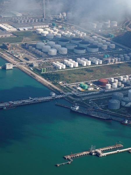 Tanques de petróleo em Zhuhai, na China - Aly Song/Reuters