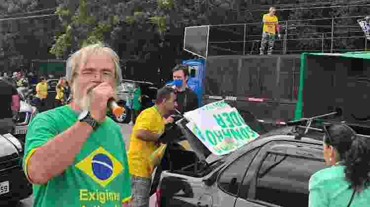 """Segundo a organização, a carreata de ontem atraiu cerca de mil veículos; foi do Ibirapuera ao prédio da TV Globo (""""globolixo"""") - Paulo Sampaio/UOL - Paulo Sampaio/UOL"""