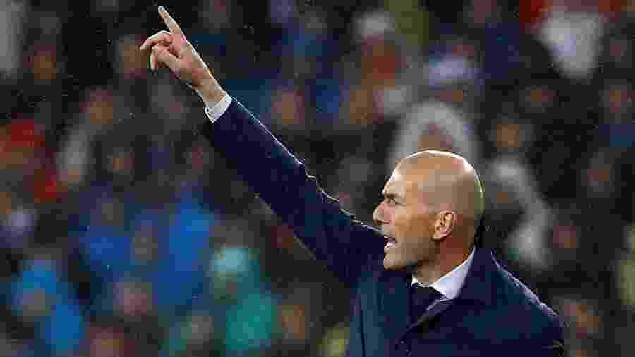Técnico do Real Madrid, Zinédine Zidane torce para que Messi não deixe o Barcelona - JUAN MEDINA