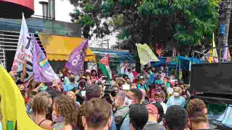 Agenda de Boulos com a presença de militância petista teve aglomeração  - Nathan Lopes/UOL - Nathan Lopes/UOL