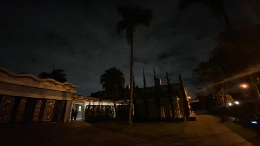 Mansão localizada no Morumbi reunia 50 pessoas, a maioria sem máscara, em uma festa clandestina - Divulgação/Polícia Civil