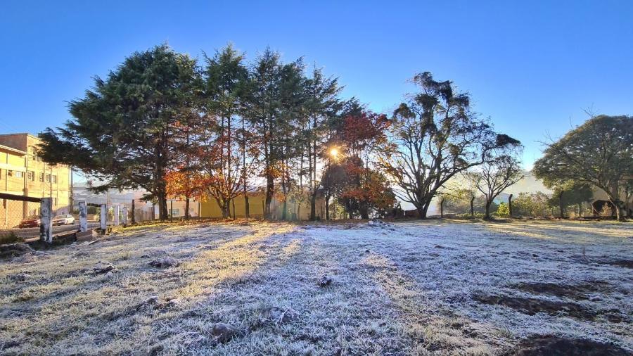 28.abr.2021 - A Serra Catarinense amanheceu com temperaturas negativas em 2021 e seguirá tendência no inverno - Mycchel Legnaghi / Agência São Joaquim Online