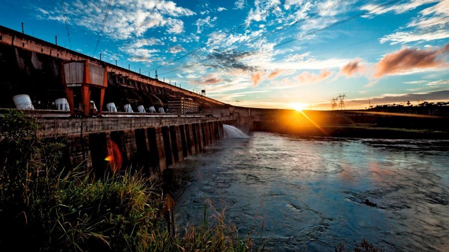 Assim como o Brasil divide com o Paraguai a energia da usina de Itaipu, precisa de sua autorização para produzir peixes nas águas - Alexandre Marchetti/ Itaipu Binacional
