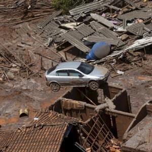 Rompimento de barragem ocorreu no subdistrito de Bento Rodrigues, em Mariana, e provocou destruição no local