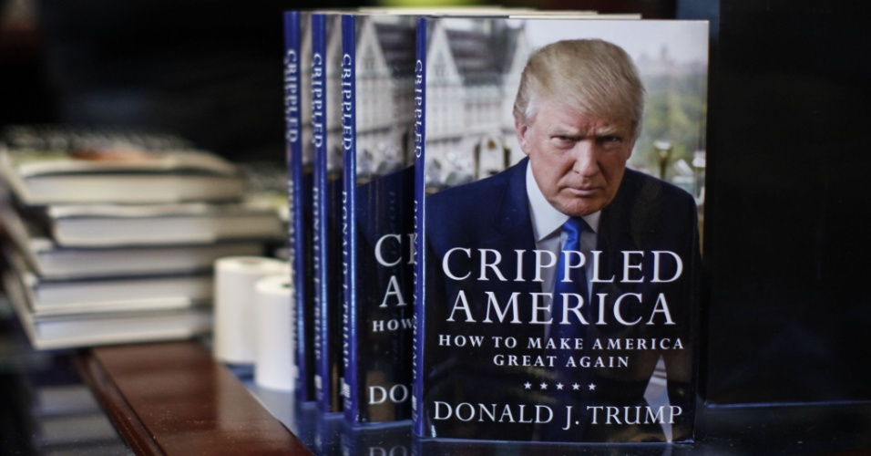 "A capa do livro de Donald Trump, ""Crippled America: How to Make America Great Again"""