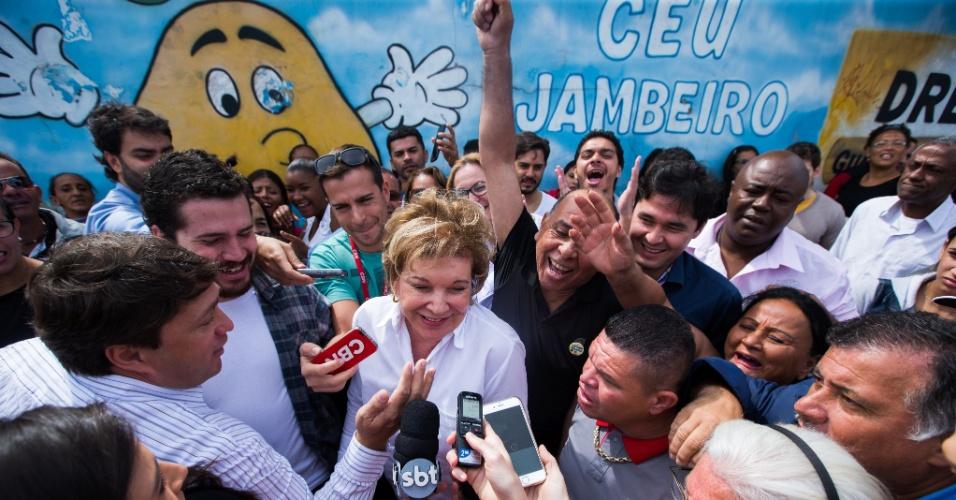 16.ago.2016 - A senadora Marta Suplicy, candidata do PMDB à Prefeitura de São Paulo, inaugurou oficialmente sua campanha nesta terça-feira no CEU (Centro Educacional Unificado) Jambeiro, em Guaianases, vitrine de sua gestão da cidade, entregue por ela em 2003