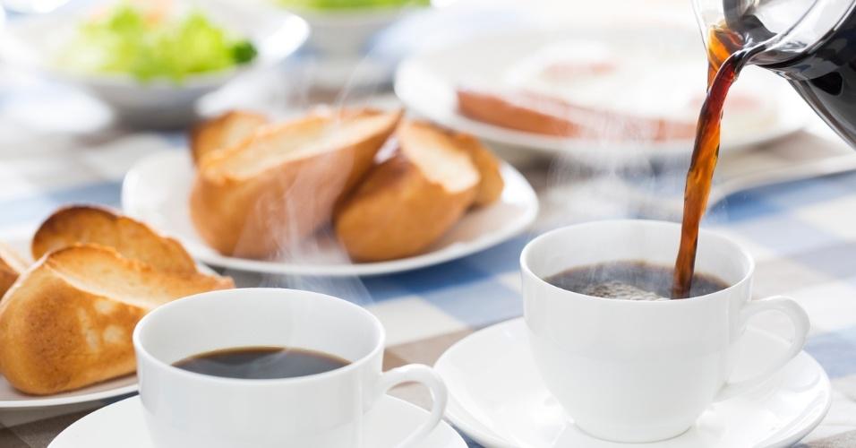 pão, café, café da manhã