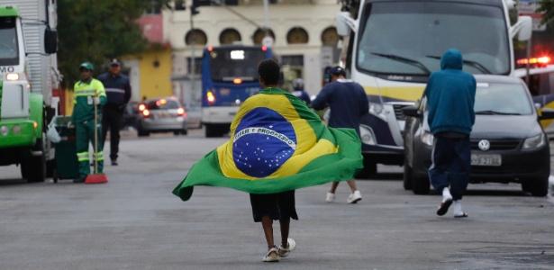 22.mai.2017 - Usuários de crack circulam pela região da Cracolândia, um dia depois da operação que visou eliminar concentração