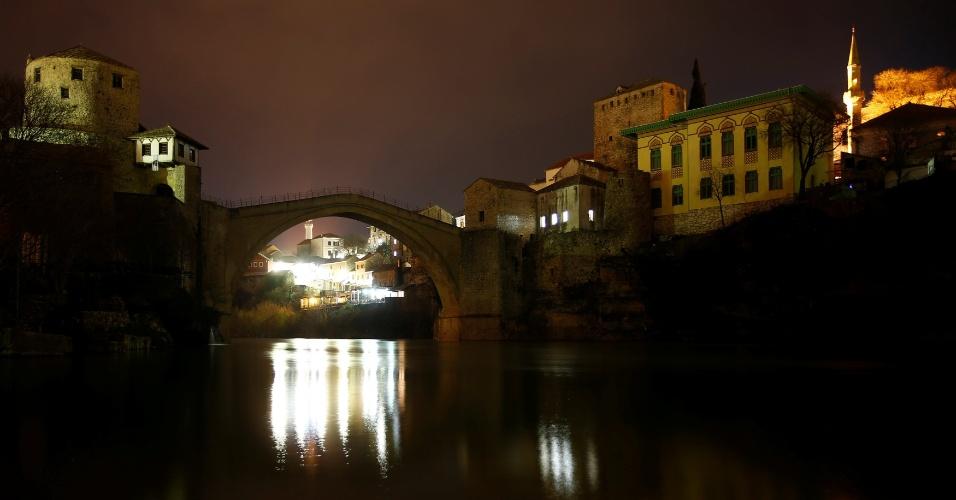 Luzes também foram apagadas na Bósnia. Neste ano, a mobilização se concentra nos efeitos da mudança climática sobre a biodiversidade e as espécies animais e vegetais