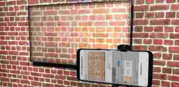 TV consegue identificar o padrão e a cor da sua parede com ajuda de uma foto - Gabriel Francisco Ribeiro/UOL