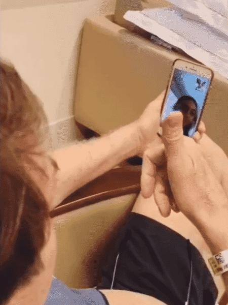 Bolsonaro fala com a filha, Laura - 15.set.2019 - Reprodução/Twitter