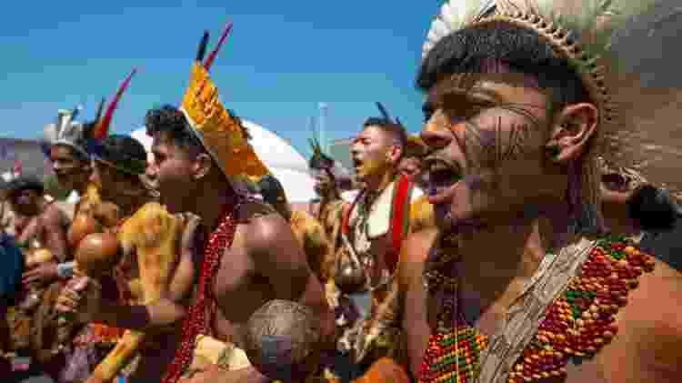 Representantes da aldeia Coroa Vermelha em manifestação contra o marco temporal e pela demarcação de terras indígenas em outubro de 2019 - Tiago Miotto /Cimi - Tiago Miotto /Cimi