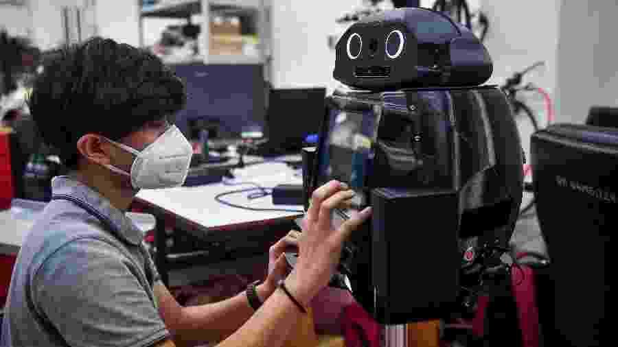 Tailândia testa robô contra coronavírus - Lillian SUWANRUMPHA / AFP