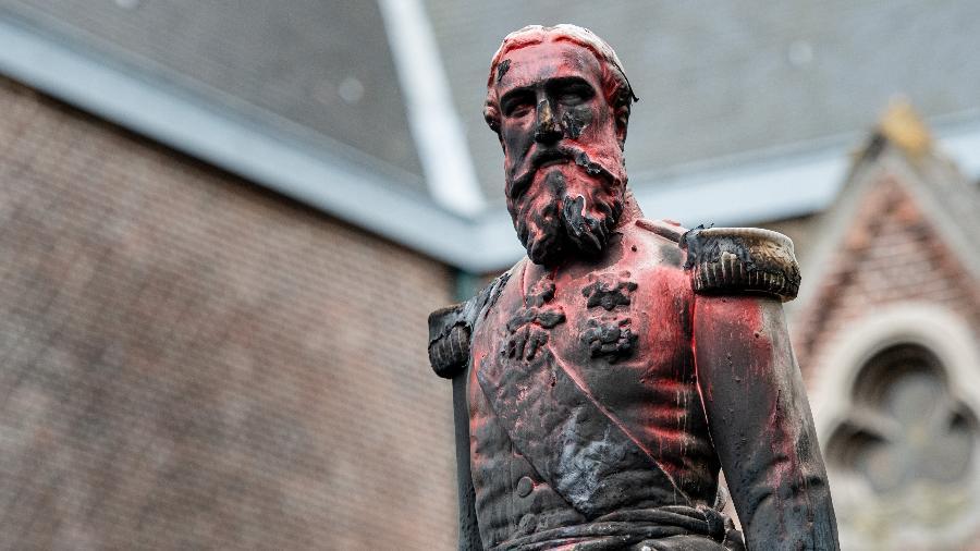 Estátua do rei Leopoldo II da Bélgica vandalizada após protestos - Jonas Roosens/Belga/AFP