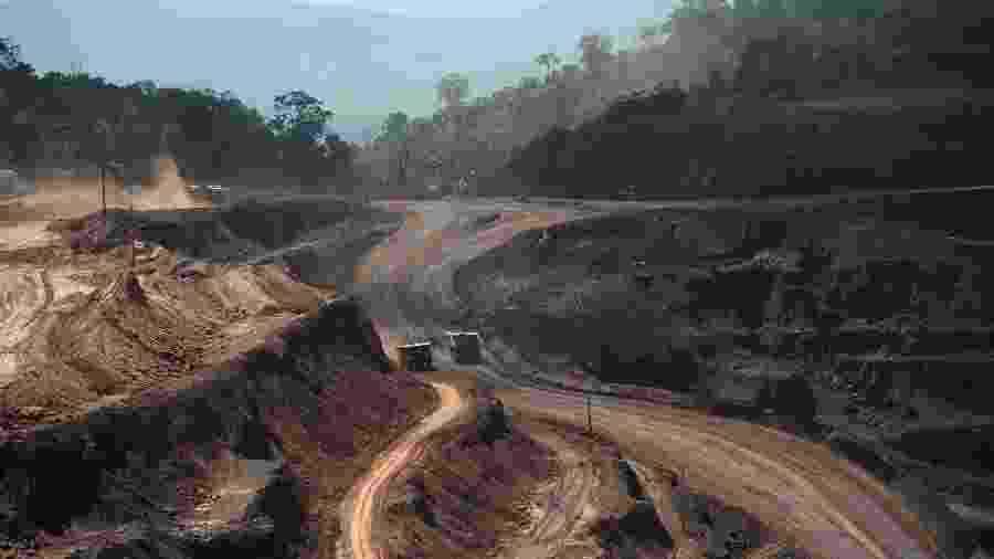Visão aérea da mina de minério de ferro de Carajás no Pará - Lunae Parracho