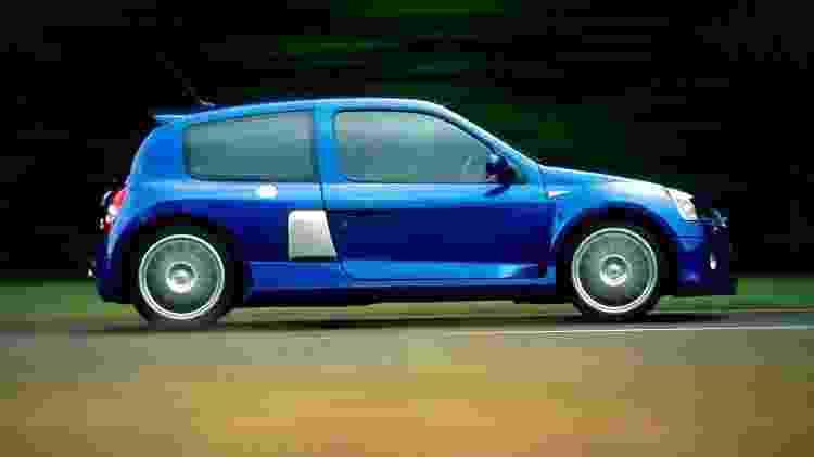 Clio V6 perfil - Divulgação  - Divulgação