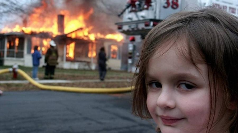 """Meme """"Disaster Girl"""", vendido como NFT por US$ 473 mil  - Reprodução"""
