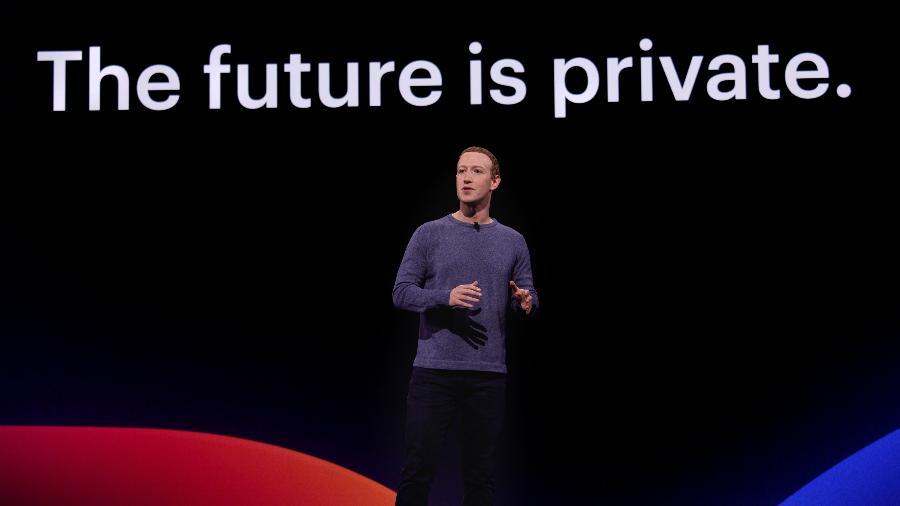 Mark Zuckerberg, fundador e presidente do Facebook, no palco do F8 2019 - Facebook