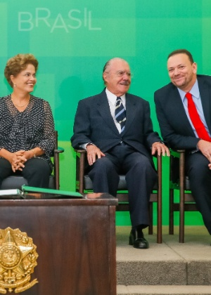 O ex-presidente (ao centro) está com 85 anos