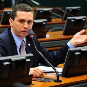 O deputado Fausto Pinato (PP-SP) negou que tenha sofrido pressão
