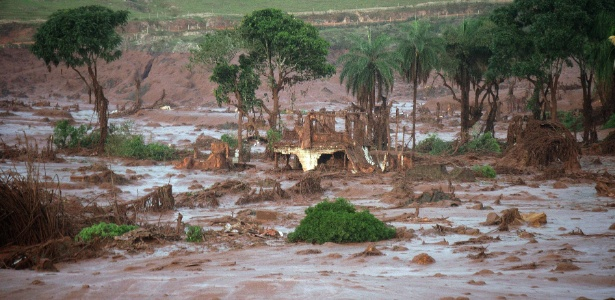 Área do subdistrito de Bento Rodrigues. em Mariana (MG), atingida pela lama das barragens da Samarco - Neno Vianna/EFE