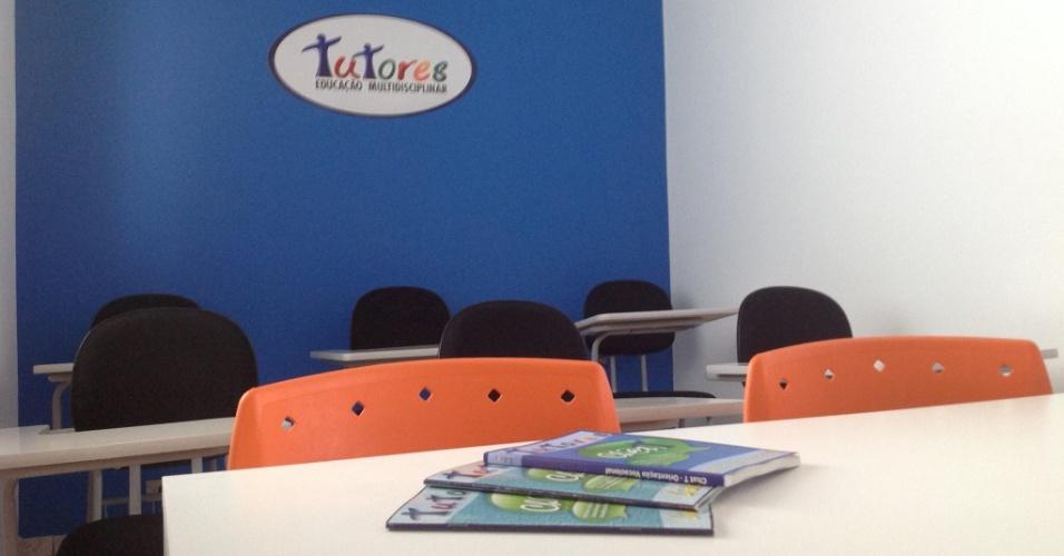 Sala de aula da franquia Tutores Educação Multidisciplinar, que dá aulas de reforço escolar para estudantes com dificuldades em todas as disciplinas da grade das escolas convencionais e auxilia alunos que sofrem de TDAH e dislexia, ambas doenças que acabam dificultando a aprendizagem