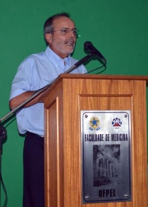 Cesar Victora, professor da UFPel (Universidade Federal de Pelotas)
