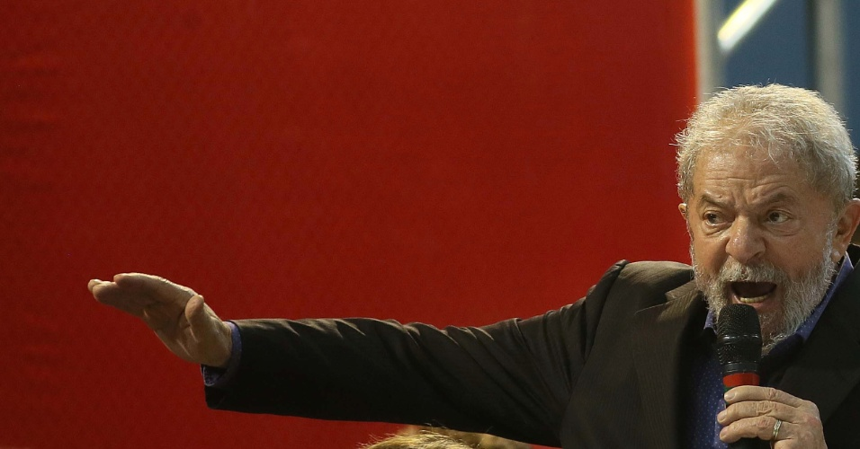Luiz Inácio Lula da Silva discursa durante abertura da etapa estadual do Congresso do PT, em São Paulo