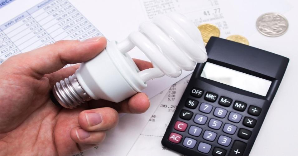 conta de luz, energia elétrica, economia, calculadora, lâmpada