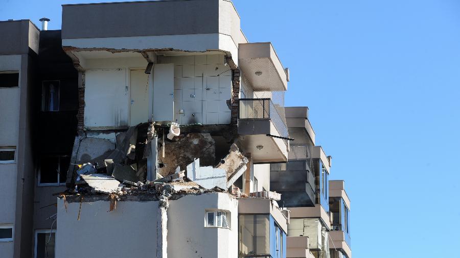 Uma explosão seguida de incêndio destruiu um apartamento na área central de Farroupilha, na serra gaúcha - Felipe Nyland/Agência Rbs/Estadão Conteúdo